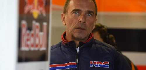 livio-suppo-watches-from-the-repsol-honda-pit-